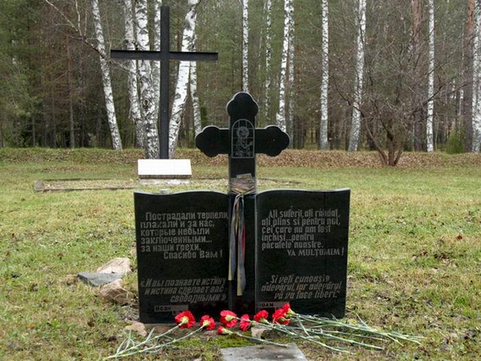 Oranki-74-Monument-pentru-militarii-romani-in-Rusia