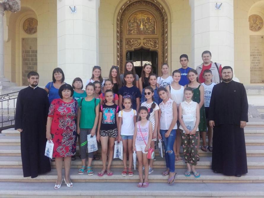 tineri-pelerini-arhiepiscopia-alba-iuliei